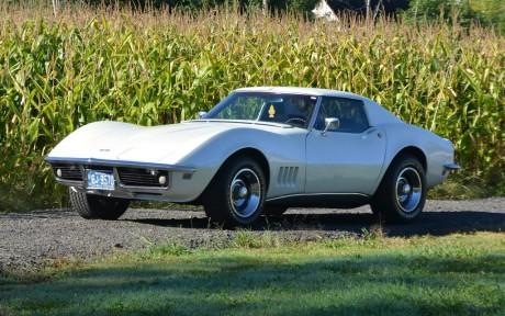 274582_Chevrolet_Corvette